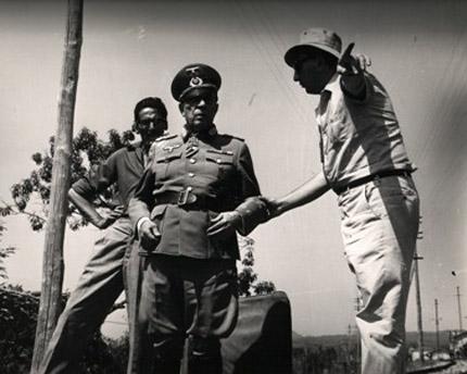 Luigi Scattini e Buster Keaton, durante le riprese del film