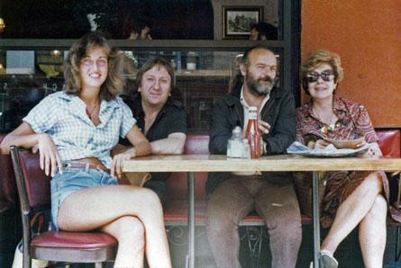 Durante una pausa sul set con Jill Turner, Benito Frattari e Gianna De Michele